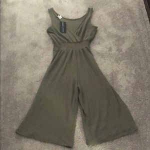 Womens Colors That Go With Olive Green Pants On Poshmark